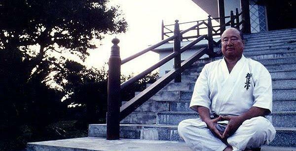 Masutatsu Oyama meditaba en algunos entrenamientos del Karate Kyokushin o Kyokushinkai